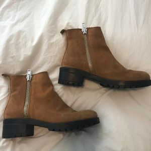 Tan boots size 9!